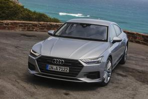Does the Audi A7 3.0 have a belt?