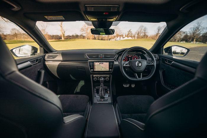 Superb iV interior