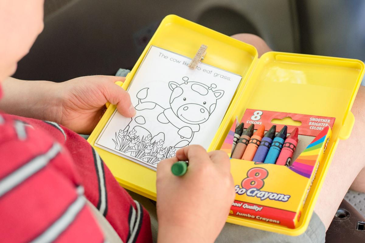 kids coloring kit