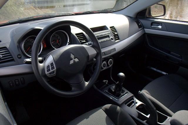 Mitsubishi Lancer Review