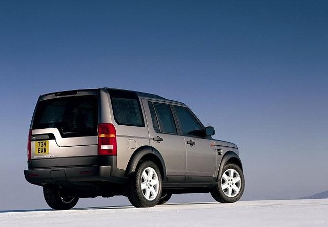 land rover discovery 3 2004 2009 carzone used car buying guides. Black Bedroom Furniture Sets. Home Design Ideas