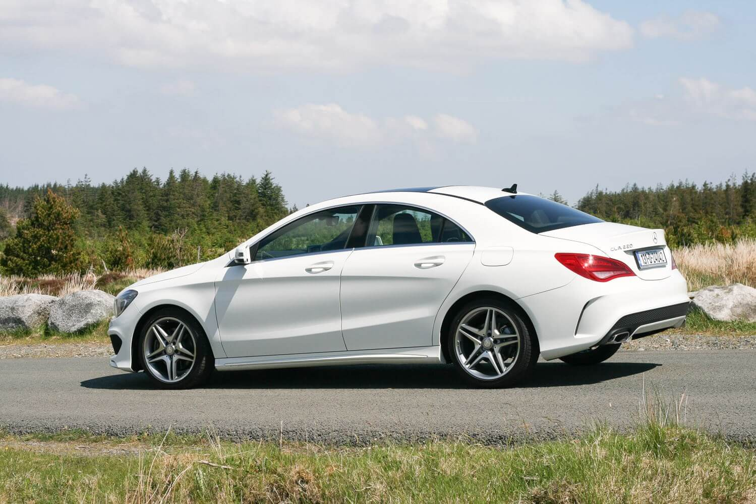 Mercedes Benz Cla 220 Cdi Amg Sport Review Carzone New