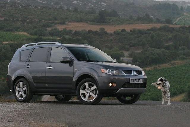 Mitsubishi Outlander 2007 - 2012   Carzone Used Car Buying Guides