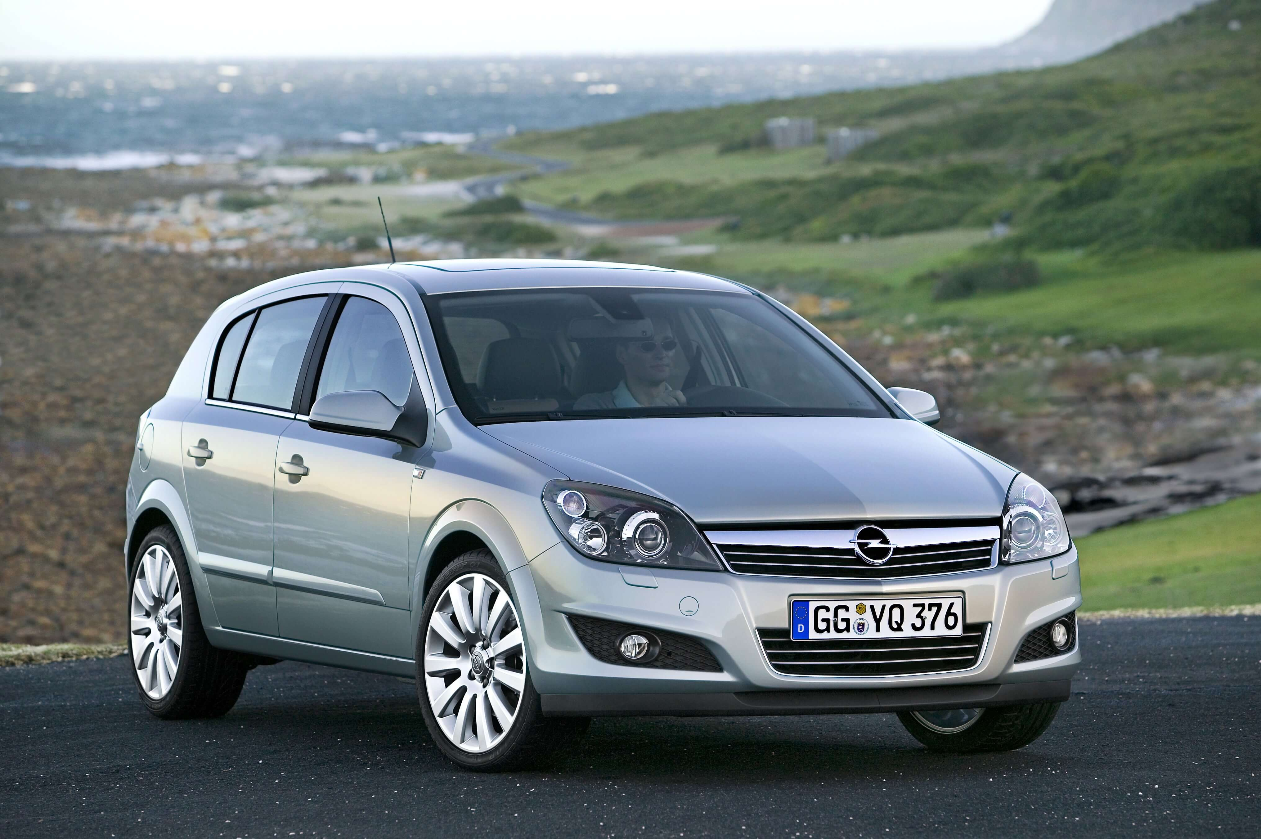Opel Astra 2004 - 2010 | Carzone Used Car Buying Guides