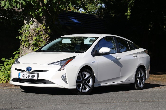 Toyota Prius Review   Carzone New Car Review