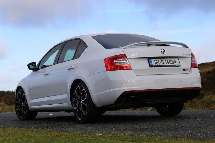 skoda octavia rs 230 review carzone new car review. Black Bedroom Furniture Sets. Home Design Ideas