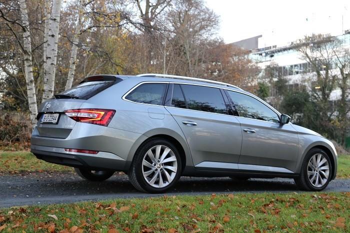 <a href='http://www.carzone.ie/new-cars/Skoda'>Skoda</a>  <a href='http://www.carzone.ie/new-cars/Skoda/Superb'>Superb</a>  Estate Rear