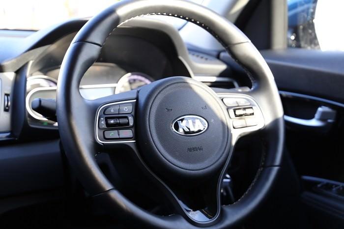 <a href='https://www.carzone.ie/new-cars/Kia'>Kia</a>  <a href='https://www.carzone.ie/new-cars/Kia/Niro'>Niro</a>  Hybrid