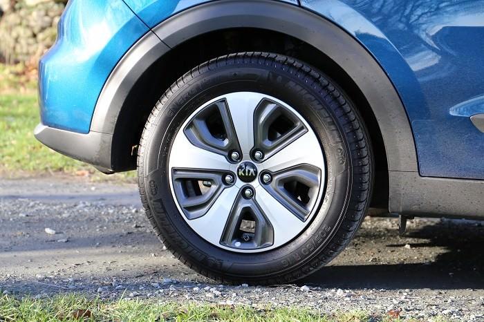 <a href='http://www.carzone.ie/new-cars/Kia'>Kia</a>  <a href='http://www.carzone.ie/new-cars/Kia/Niro'>Niro</a>  Hybrid