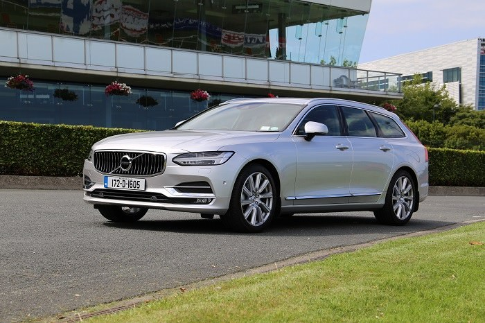 Silver <a href='https://www.carzone.ie/new-cars/Volvo'>Volvo</a>  <a href='https://www.carzone.ie/new-cars/Volvo/V90'>V90</a>
