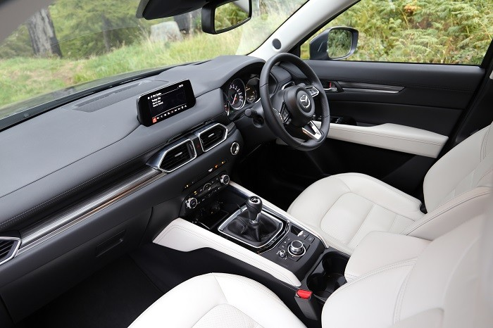 <a href='http://www.carzone.ie/new-cars/Mazda'>Mazda</a>  <a href='http://www.carzone.ie/new-cars/Mazda/CX-5'>CX-5</a>  interior