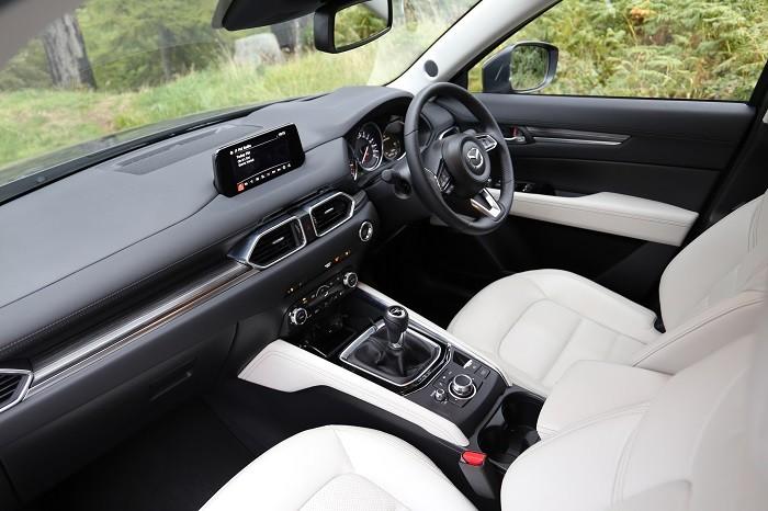 <a href='https://www.carzone.ie/new-cars/Mazda'>Mazda</a>  <a href='https://www.carzone.ie/new-cars/Mazda/CX-5'>CX-5</a>  interior