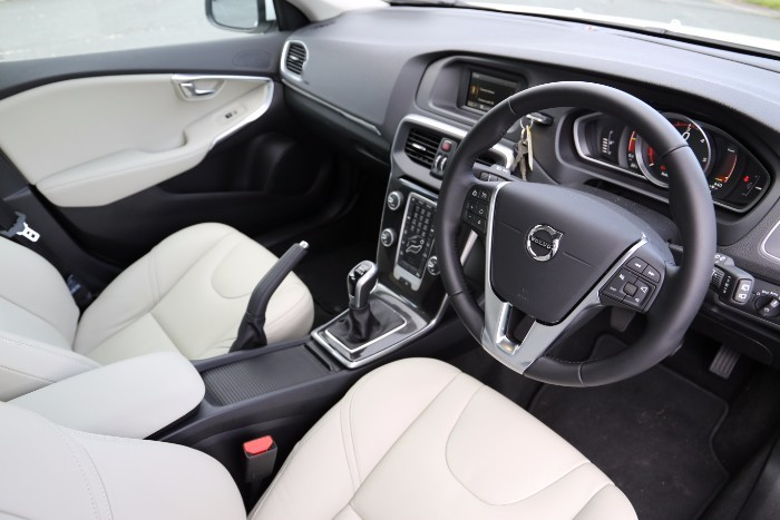 Volvo V40 Review | Carzone New Car Review