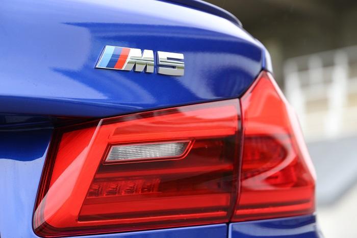 M5 Badge