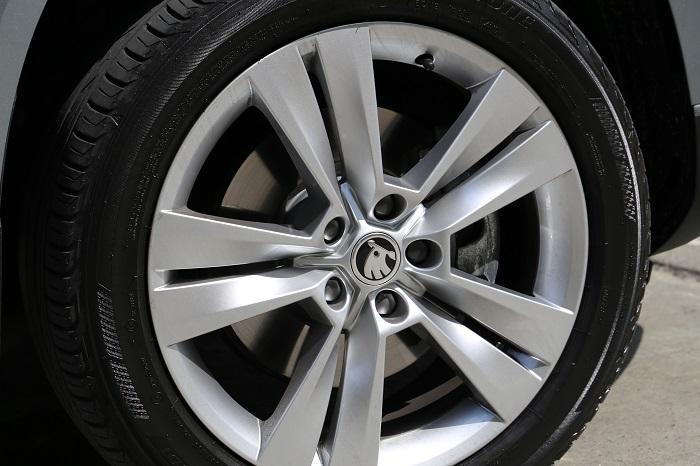 <a href='https://www.carzone.ie/new-cars/Skoda'>Skoda</a>  18 inch wheels