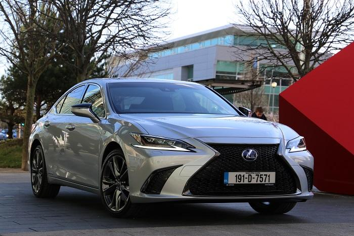 <a href='https://www.carzone.ie/new-cars/Lexus'>Lexus</a>  ES Hybrid