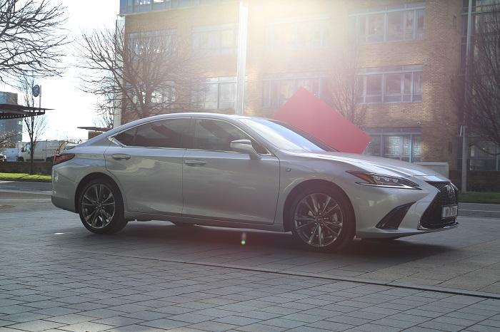 <a href='https://www.carzone.ie/new-cars/Lexus'>Lexus</a>  ES Ireland