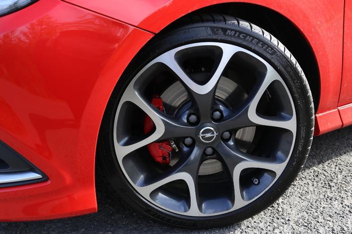 Opel Corsa GSi Tyres
