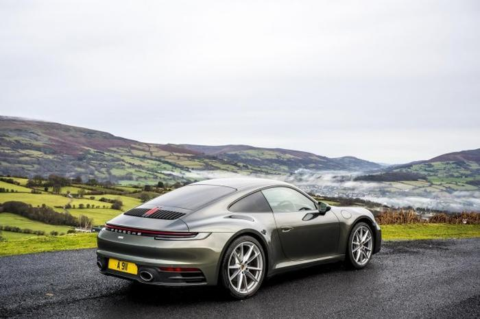 <a href='https://www.carzone.ie/new-cars/Porsche'>Porsche</a>  <a href='https://www.carzone.ie/new-cars/Porsche/911'>911</a>  Price