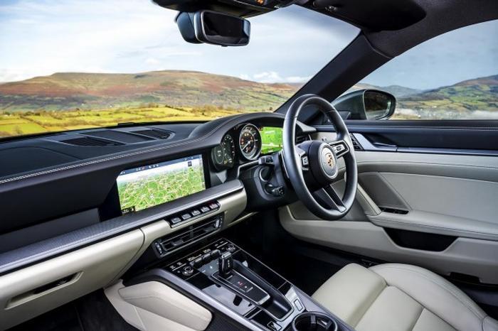 <a href='https://www.carzone.ie/new-cars/Porsche'>Porsche</a>  <a href='https://www.carzone.ie/new-cars/Porsche/911'>911</a>  Interior