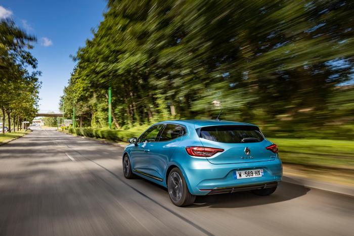 Renault Clio E-Tech Review