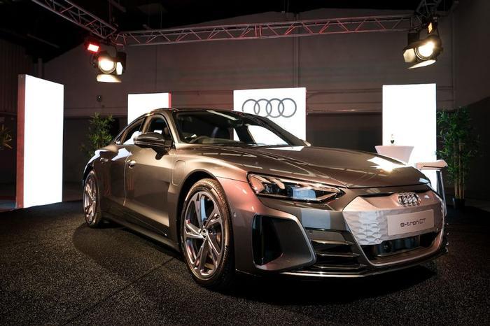Audi e-tron GT Review