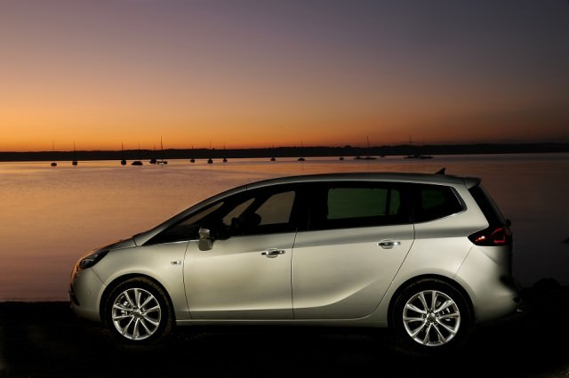 opel zafira tourer review carzone new car review. Black Bedroom Furniture Sets. Home Design Ideas