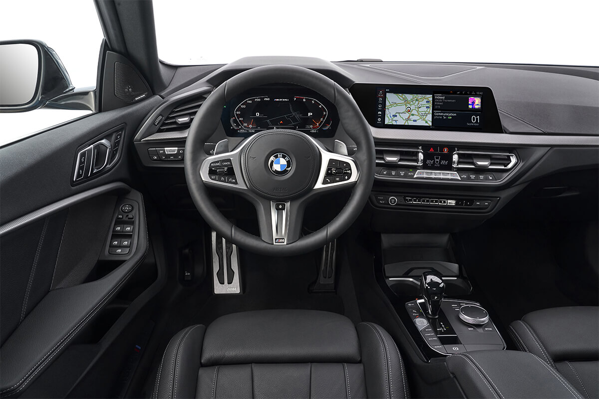 The BMW Operating System 7.0 display and control concept